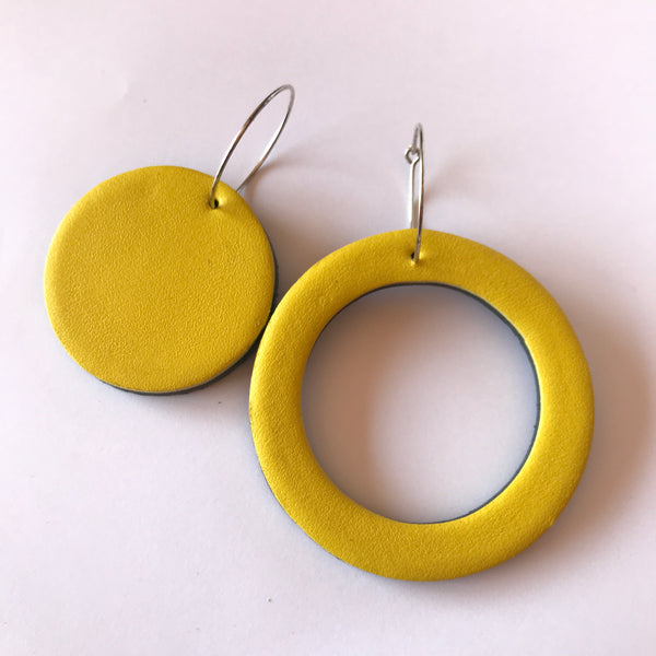 Geo Mini Circle Earrings | Yellow