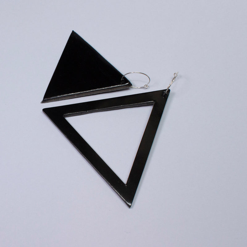 Geo Triangle Earrings | Black