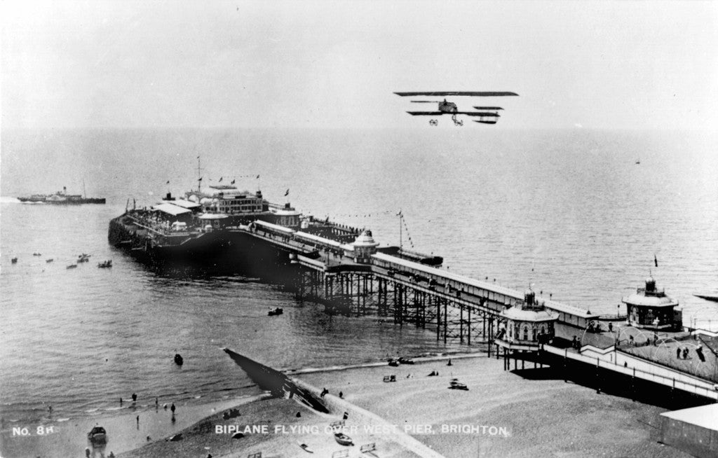 Bi - Plane over the West Pier, Brighton - LEOFRAMES