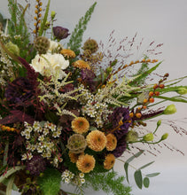 Load image into Gallery viewer, Detail Russet Bouquet Snapdragon Edinburgh reddish browns, orange and cream