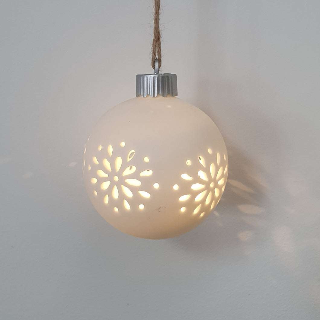 Snowflake Round LED bauble