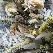 Load image into Gallery viewer, Dried flower bunch