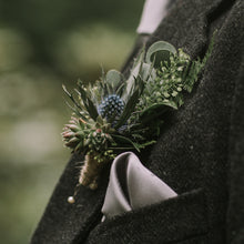 Load image into Gallery viewer, Wedding Buttonhole/Pin corsage