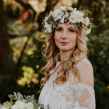 Load image into Gallery viewer, Wedding Flower Crown