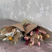Load image into Gallery viewer, Dried flower bunch (national delivery- included in price)