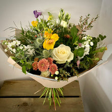 Load image into Gallery viewer, Seasonal Gift Bouquet (national delivery- included in price)