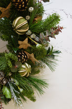 Load image into Gallery viewer, Christmas Wreath Natural Snapdragon Edinburgh