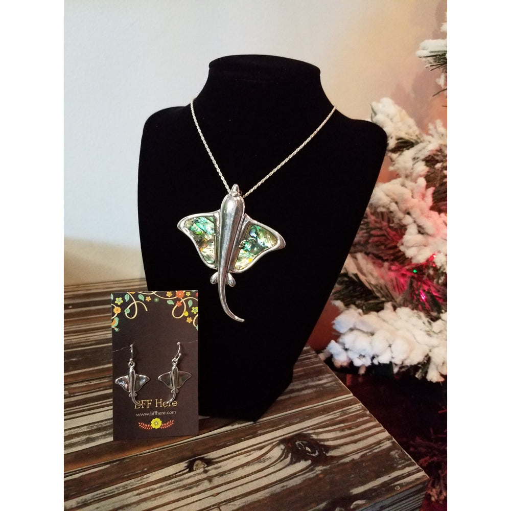 Sting Ray Abalone Pendant & Earring Set