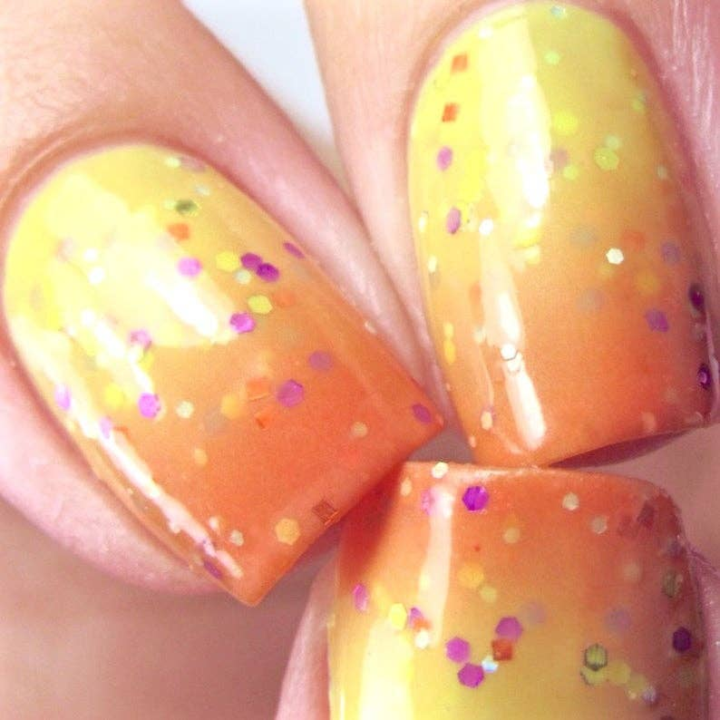 Sunny Daze -- Thermal Color Nail Polish