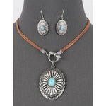 Western Style Toggle Oval Necklace Set