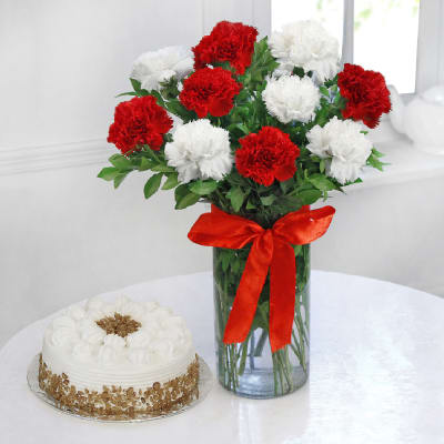 10 Mix Carnations with Butterscotch Cake (Half Kg)