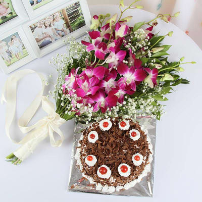 Bouquet of 6 Orchids with Black Forest Cake (Half Kg)