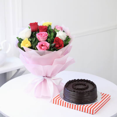 Bunch of 10 Mix Roses with Chocolate Cake (Half Kg)