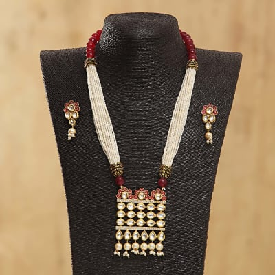 Kundan and Beads Designed Necklace Set