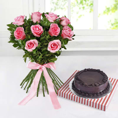Pretty Pink Roses with Chocolate Cake (Half Kg)
