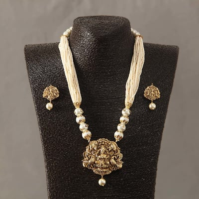 Temple Designed Pearl Necklace Set