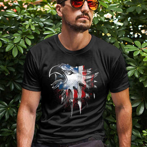 Eagle. American Flag - Red, White and Blue. T-Shirt