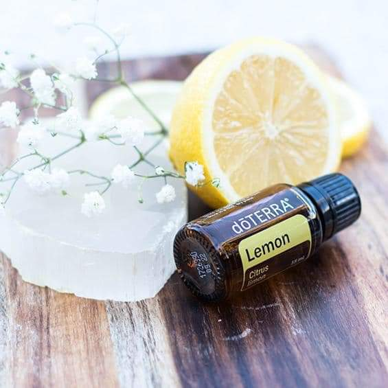 Spotlight: Lemon Essential Oil Uses
