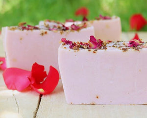 Milky Rose Bath Hamper