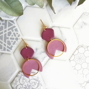 Abstract leaves - Medium Circle earring with ball stud