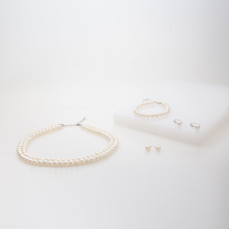 Precious Pearl Bracelet - Available from 30 November