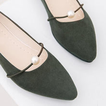 Load image into Gallery viewer, Plain  Flat  Velvet  Point Toe  Basic Flat & Loafers