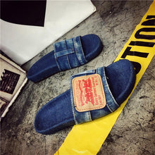 Load image into Gallery viewer, Retro Flat Slipper