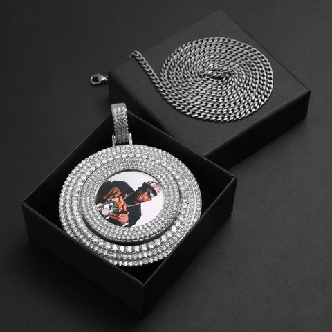 Rotating Medallions Necklace