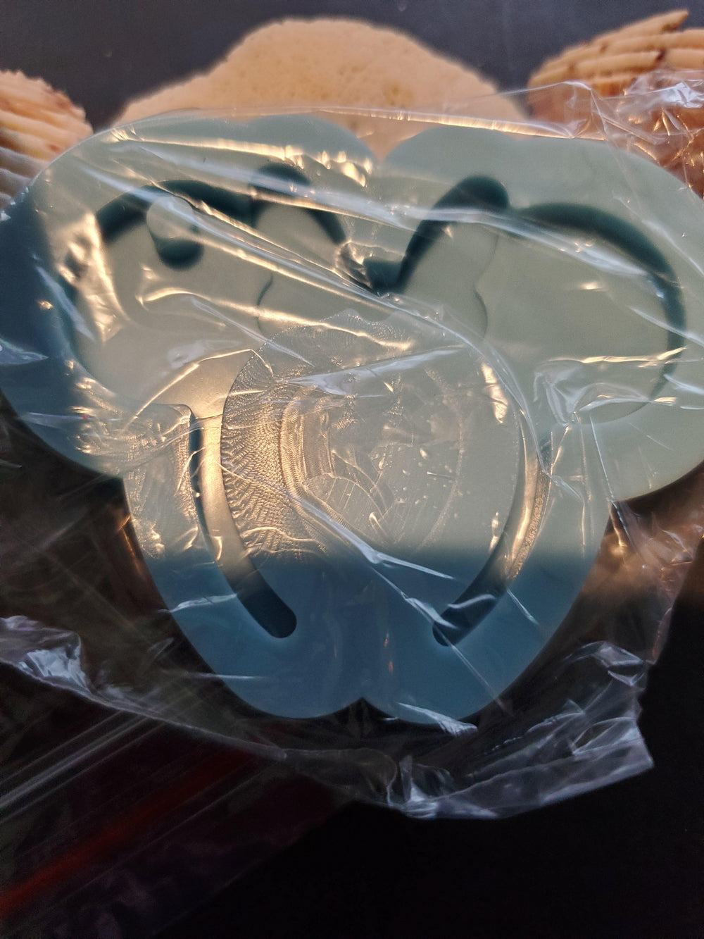 Mouse with bow headband keychain mold