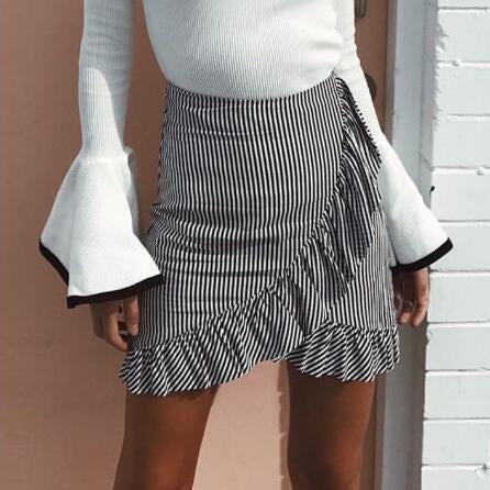 Fashion Casual Wild Striped   Ruffled Short Skirt