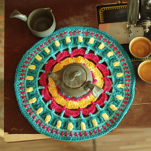 Hand Hook Flower Retro Round Placemat