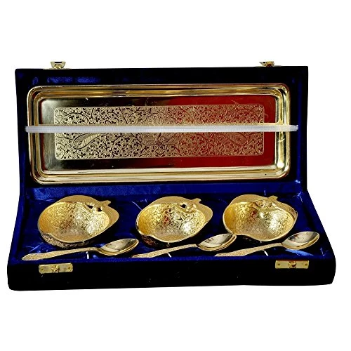 "Gold Plated Apple Shaped Bowl Set 7 Pcs. (Bowls 3.5"" & Tray 13"" x 5.5"")"
