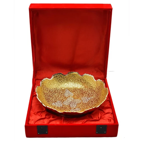 "Silver Plated Brass Apple Shaped Bowl Set 7 Pcs. (Bowls 3.5'' Diameter & Tray 13"" x 5.5"")"