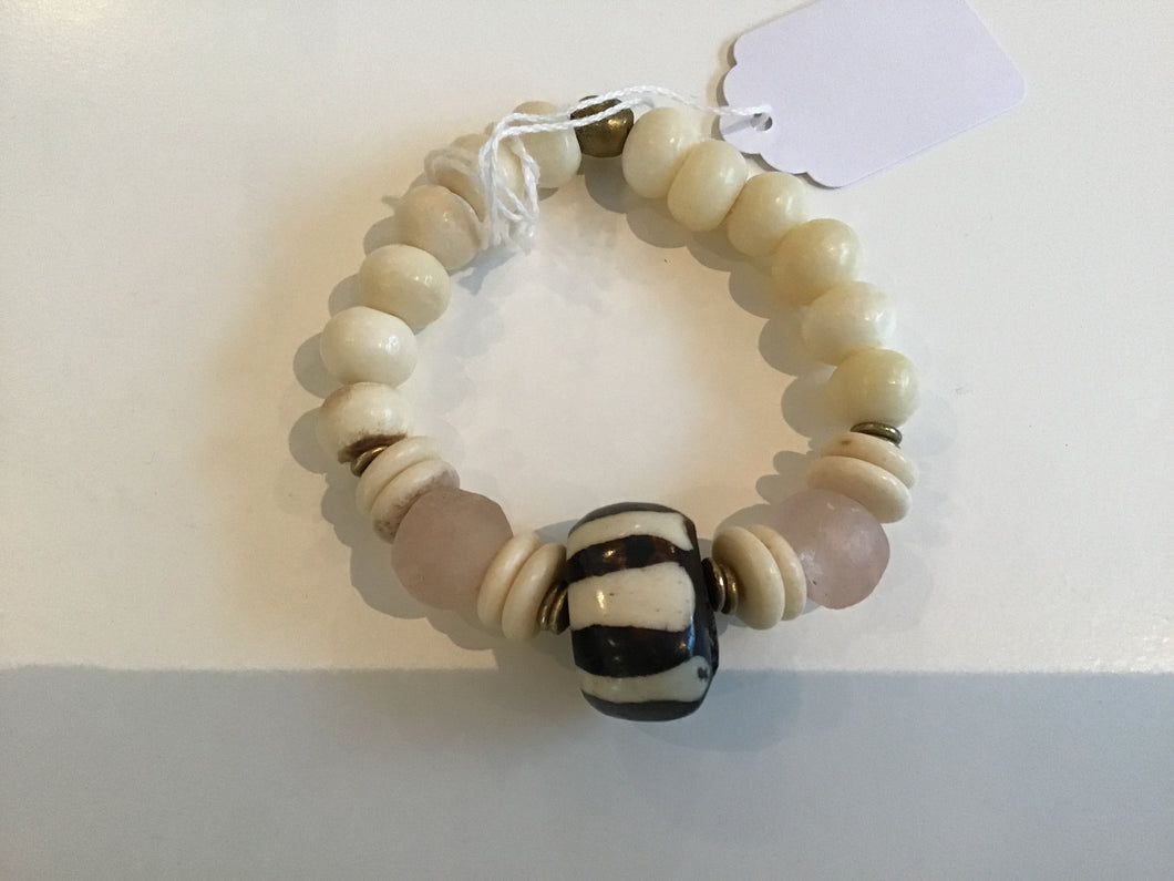 Bracelet in Blush/Natural by Soulpepper B065