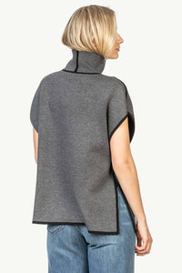 Reversible Poncho in Black/grey by LillaP