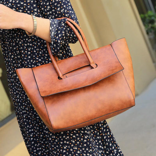 Retro And Stylish Handbag With A Single Shoulder Messenger Bag