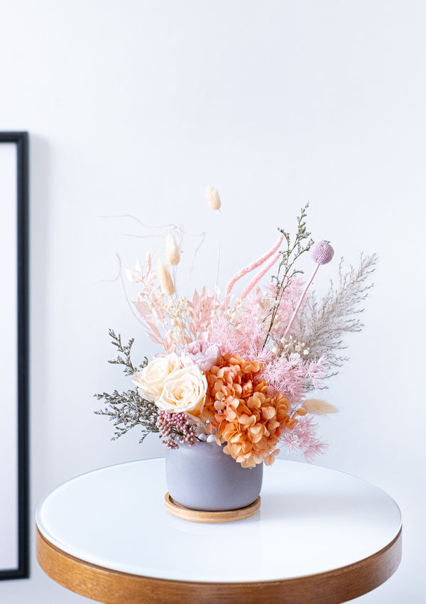 A petite love horizon inspired flower arrangement curated by singapore florist floral mikelle