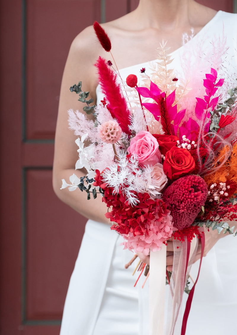 Luxurious and grand preserved flower curated bridal bouquet ideal for pre wedding shoot and actual wedding day