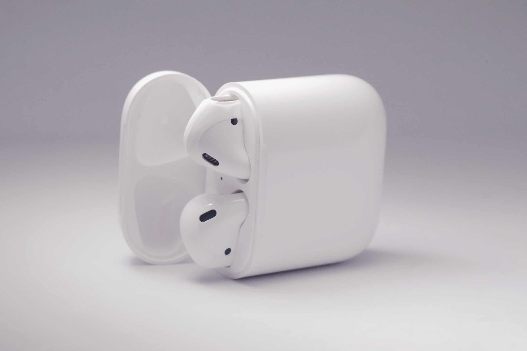 half off 43cad 8ffc7 Silicon Airpod Tips/Covers - Fits In Charging Case (WHITE)