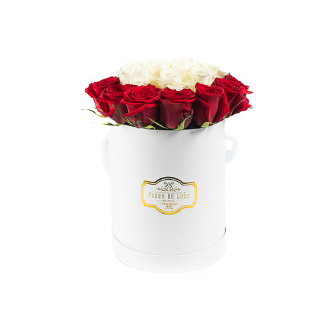 flower box luxury rose in box forever rose canada Montreal delivery best florist Montreal  eternity roses flowers mother's-day rose éternelle boite à fleurs