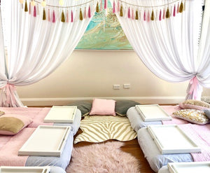 Kids birthday party luxury indoor glamping sleepover - Kids Events & Co.
