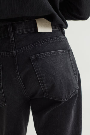 STRAIGHT CUT JEANS RINSED BLACK