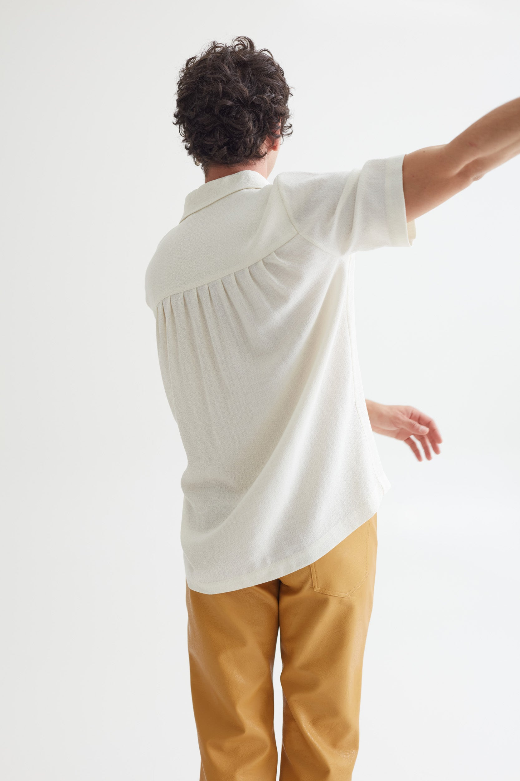RAMPOUA SHORT SLEEVE OFF WHITE