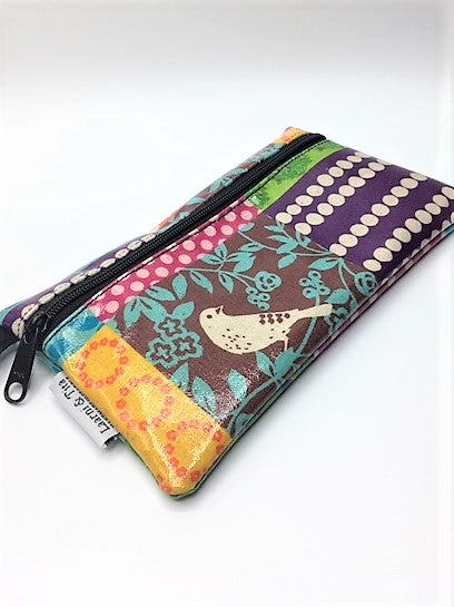 Medium Wristlet in Brown Bird Patchwork