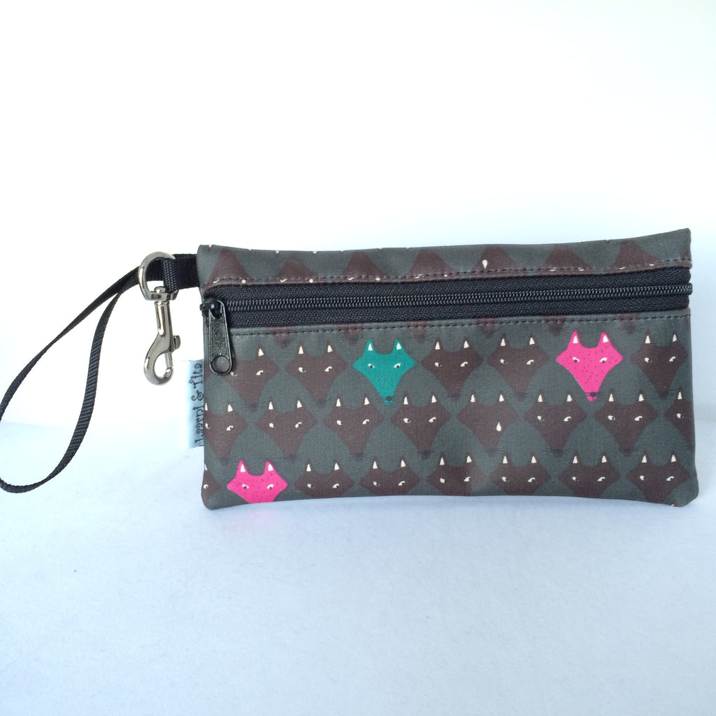 Large Wristlet in Pink Fox/Wolf