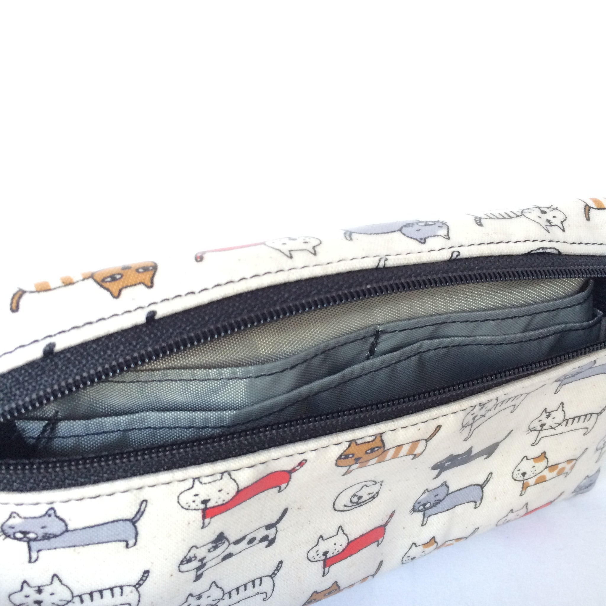 Large Wristlet in Cream Cats