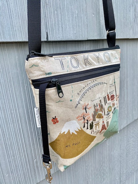 Medium Travel Purse in Tokyo
