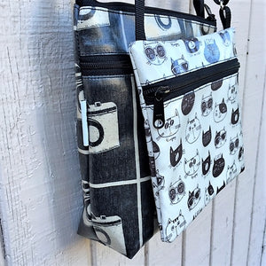 Medium Travel Purse in birds in flight