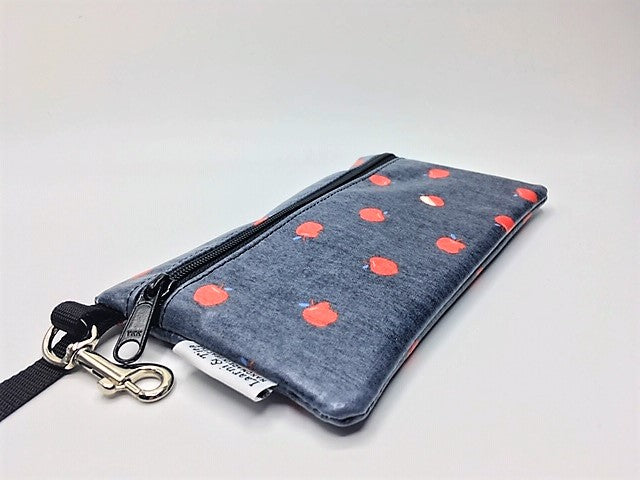 Medium Wristlet in Red Apples