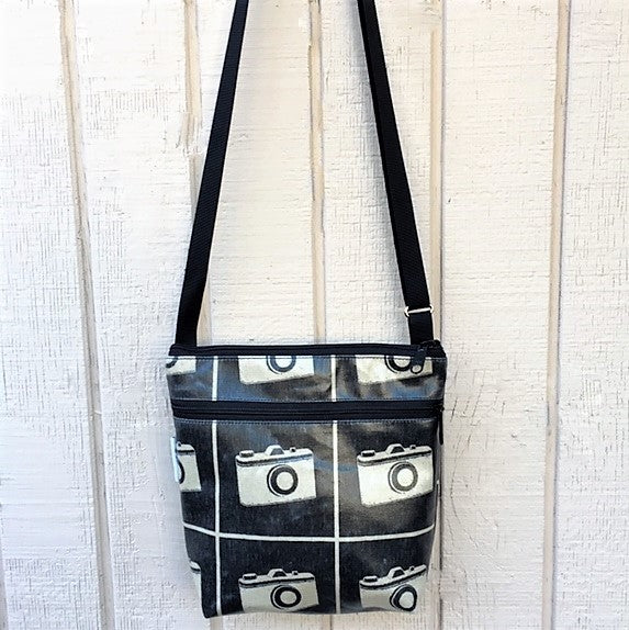 Medium Travel Purse in Black Camera
